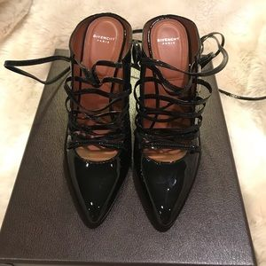 Givincy  Patent Leather Lace-Up Pumps in Black